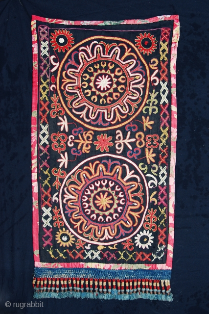Nice Kirghiz embroidery. For details, please ask.