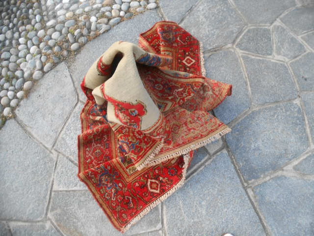 Antique Feraghan in very, very good condition. Without problem upon fiel or foundations. Maybe a Tafresh ancien carpet.  Size is cm. 203 x 124 cm.  Beautiful colors. More images on request. Thanks a lot. Fine  ...
