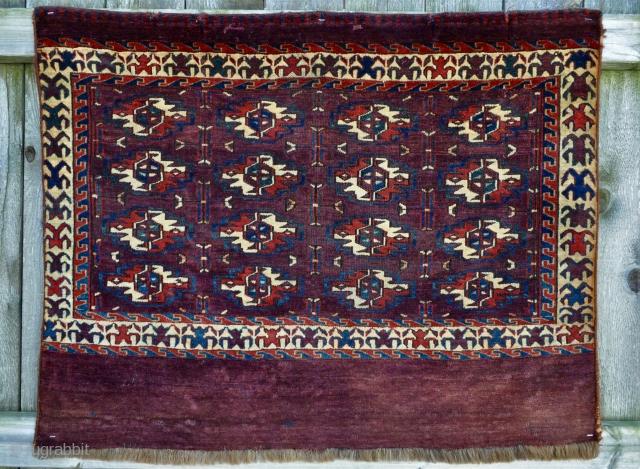 Yomud Turkmen Chuval - 3'3 x 2'7 / 99 x 79 cm