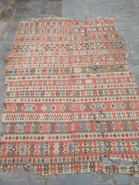 Central Anatolian old cicim with all naturel colors.140x260cm