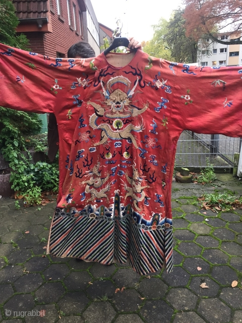 Antique Chinese robe with gold metal threads, www.najib.de