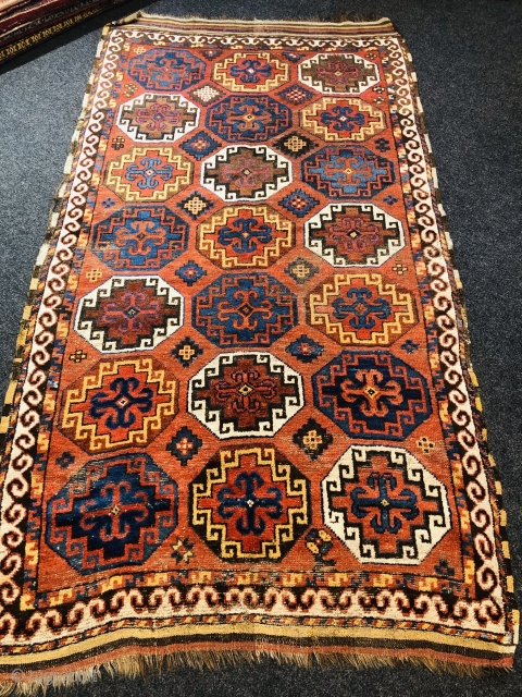 Antique Central-Asian rug, Amu Darya region. Probably Karapalpak (Ersari Beshir?) Good age, beautiful colors and very well executed drawing. Size: ca. 270x150cm / 8'8''ft by 5ft