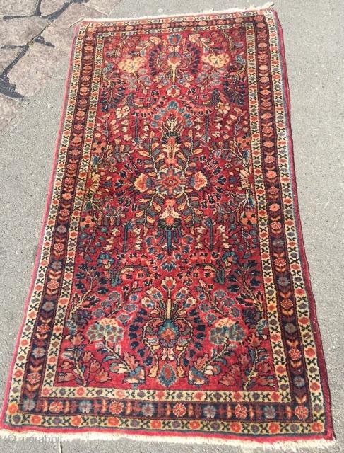 Antique little Sarough rug, size: ca. 120x62cm / 4ft x 2'1''ft www.najib.de