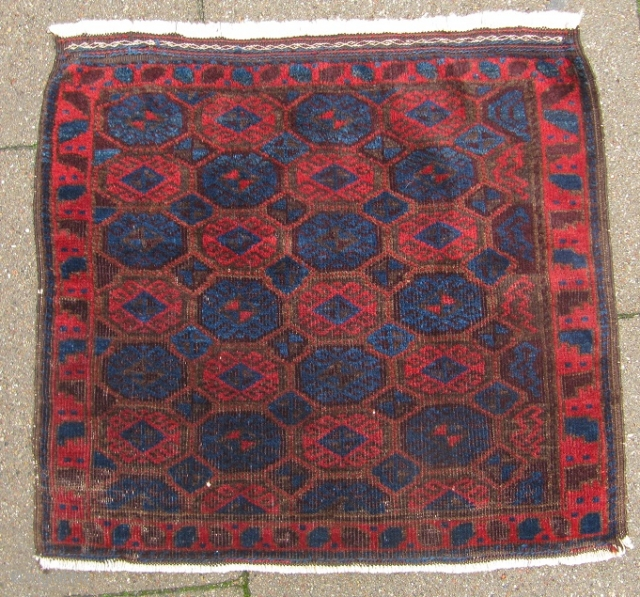 Very nice antique Baluch bagface. size: 63x57cm / 2'1''ft x 1'9''ft