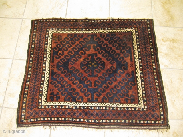 Large antique Baluch bagface in very good condition. Size: 88x75cm / 2'9''ft x 2'5''ft www.najib.de