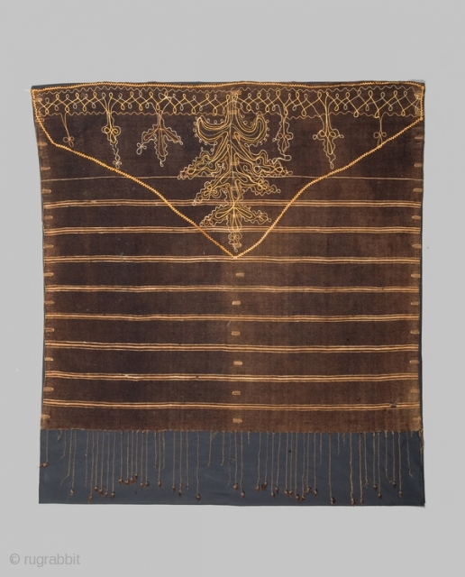 """Woman's shawl """"Ajar"""" cod. 0394. Wool cotton natural dyes. Berber people. Sfax area. Tunisia. Early 20th. century. Cm. 105 x 120. Very good condition with some small holes. Professionally sewn onto a  ..."""