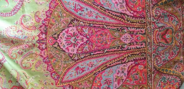 Beautiful French/Indian paisley long shawl in Perfect condition and fresh colour