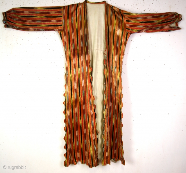 19th century silk Kaftan with ikat weaving. 