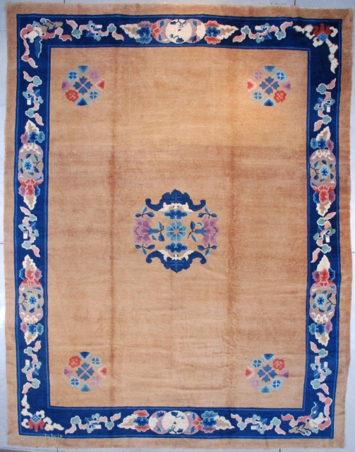 "#7582 Antique Peking Chinese Rug This circa 1900 Peking Chinese Oriental rug measures 12'1"" x 15'8"" (368 x 481 cm). It has a very clean and open field with a circle of  ..."