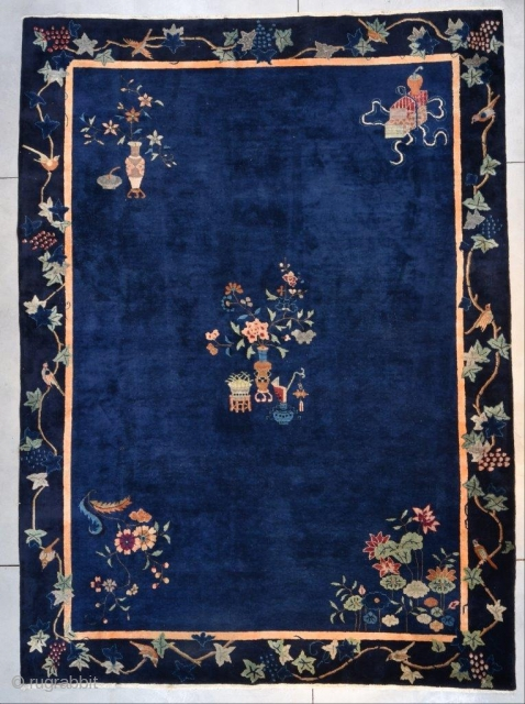 """This circa 1925 Art Deco Chinese Oriental Rug #7671 measures 10'2"""" X 13'10"""" (311 x 425 cm). It is a lovely antique Chinese rug with a sparse motif. The upper left corner  ..."""