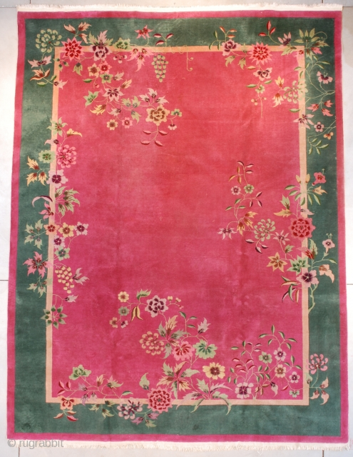"""#7662 Art Deco Chinese Oriental Rug  This circa 1925 Art Deco Chinese Oriental Rug measures 8'11"""" X 11'9"""" (274 x 362 cm). You want hot pink? You got hot pink! Hot pink field  ..."""