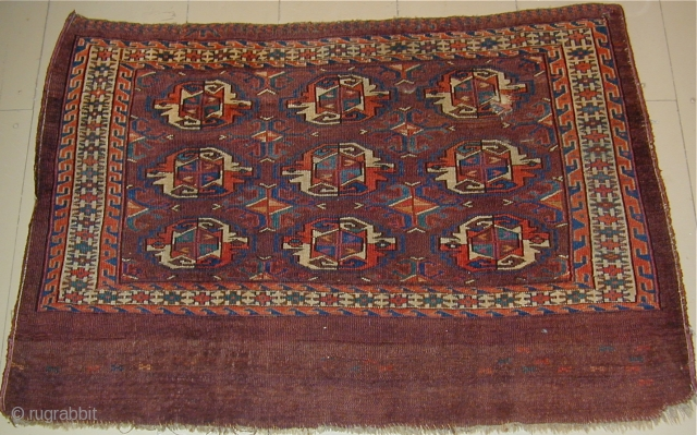 Early colorful Yomud Chuval with bold major Guls and unusual minor Guls. 45'' X 30''(114 X 76cm)