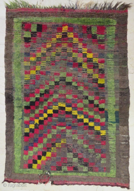 Mut Tulu prayer design wonderful colors with purple sheep wool and in nice condition it has very small repair  all original size 2,00x1,38 cm Circa 1900-1910