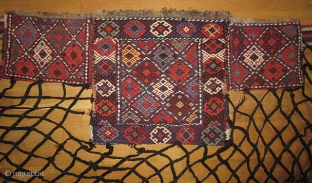 Spoon bag (Qashoqdan), Shahsavan, Moghan area NW Persia/S Caucasia  Large bag: 41x38 cm, small bags: 26x20 cm Band: 7x345 cm, net: 220x100 cm. All wool and natural colours. More info or photos  ...
