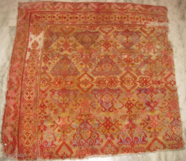 Late 19th century Agra fragment measuring 4'7'' x 4'5'' ft.
