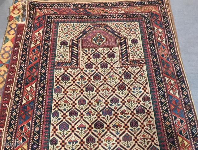 Antique Caucasian daghestan prayer Rug  19th century