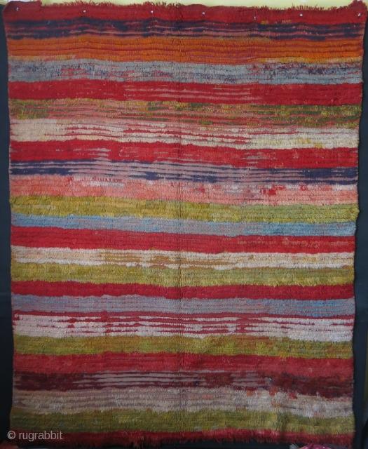 """Western Anatolia Ushak tribal tuylu rug with lazy lines. 19th Cent. Size : 81"""" X 65"""" - 205 cm X 165 cm"""