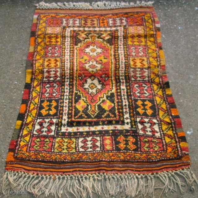 Old anatolian Yatak rug. Size: 89 x 145 cm. All original. Top condition. Full and high pile.