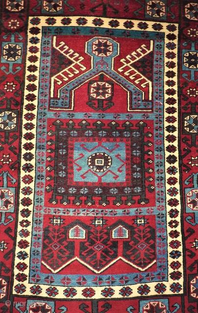 Interesting prayer rug. Size: 117 x 166 cm. Caucasian / Anatol rug.