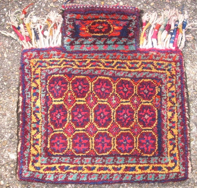 Old Afshar saltbag. Size: 46 x 50 cm. Very good condition.