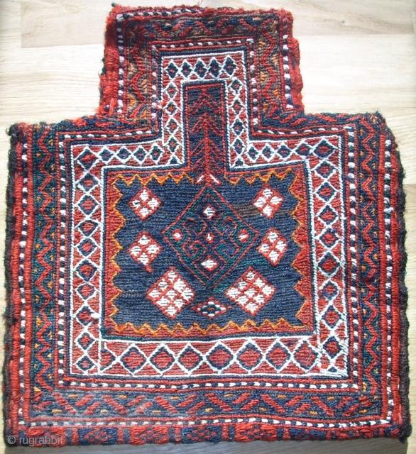 Nice small Luri saltbag-sumakh. Size: 36 x 31 cm. Top condition.
