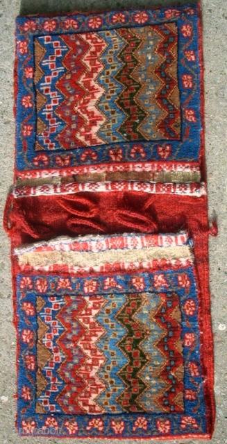 Lovely small persian Kashkuli Khordjin. Size: 27 x 58 cm. Good condition. Full pile.