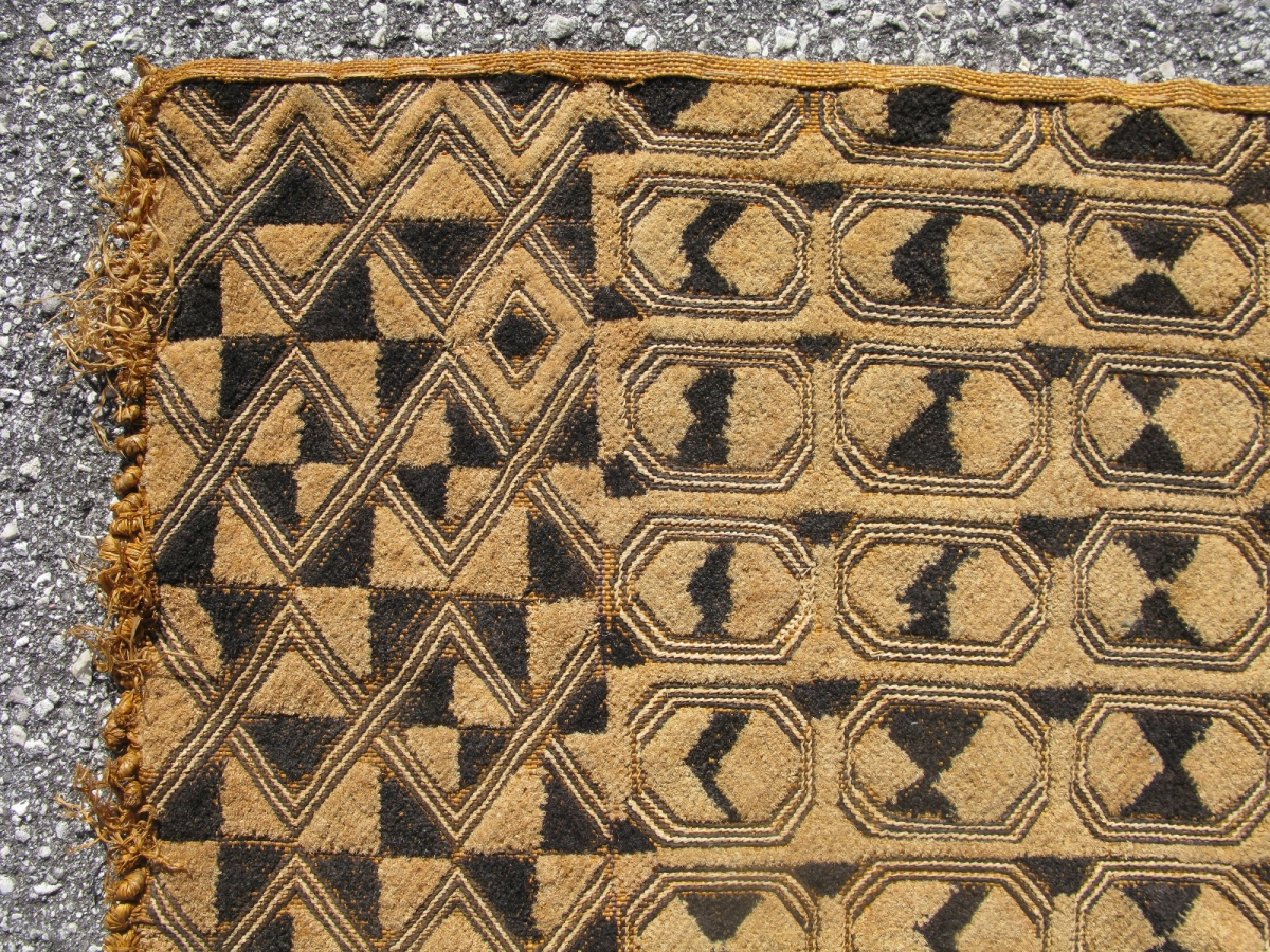 African Kuba Raffia Cloth Hand Woven Palm Fiber Cut Loop