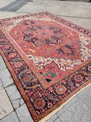 Antıque Heriz Carpet size: 367x266 cm.