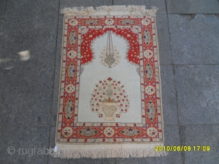 Antıque Anatolıan Hereke Silk carpet. size:92x68