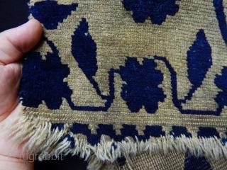 Antique Tibeten Rug Fragment  size.70x50cm