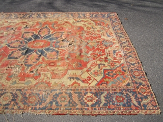 "beautiful serapi heriz rug 9' 7"" x 12' beautiful colors no dry rot poor condition as shown holes and wear no pets and no smoke. EBAY ITEM ENDS IN A WEEK"