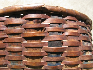Antique Native American Mohegan basket, hand woven ash, Connecticut, 19thC, the spokes are swabbed blue, the weavers are swabbed red, general good condition and strong, but some broken weavers, the approximate size  ...