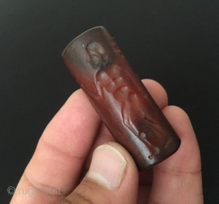 Central-Asia Rare A beautifull cornalian - agate stone hand-crafted fine craftsmanship original Afghanistan or İran cornalian stone. Size -  Lenght : 4.4 cm - Width : 1.2 cm - Circumference :  ...