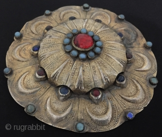 Central-Asia Ethnic Turkmen tribal silver gulyhaka pendant - button fire gilded with gemstone and turquoise Fine condition ! Circa - 1900 Size - ''12.5 cm x 12.5 cm'' - Circumference : 37.5  ...