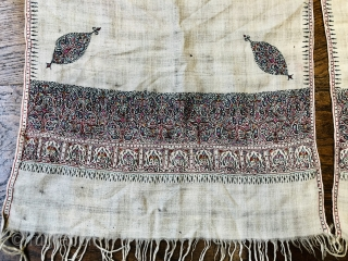 Antique Indian pashmina sash 19 c.  Size approx 275 x 43 cm
