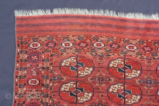 Beautiful Teke antique around 1880 Wool on Wool Naturslcolor,  Very good condition. Size: 116x114cm