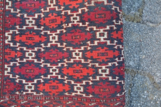 Saryk Turkmen Carpet Very good condition Size: 115 x 39 cm