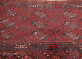 Kizilayak Turkmen chuval, fine weave, 19th century some unusual features like the  gül and the yurt like construction on the top border. 80 x 160 cm.  (in case of no answer there  ...
