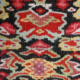 Antique Senneh kilim, 192x129cm, extremely fine woven, saturated, natural colours, mint condition, carefully handwashed, ready to embellish your home.