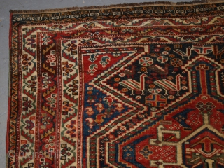 A good Antique Tribal Qashqai rug, triple linked medallion design with superb colour. www.knightsantiques.co.uk Size: 6ft 9in x 4ft 4in (206 x 133cm).   Late 19th century.  A very pleasing rug with three linked  ...