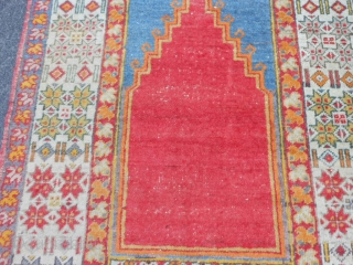 Turkish Prayer rug, early 20th century, 3-5 x 5-0 (1.04 x 1.52), good condition, hand washed, ends overcast, ends and edges original, slight wear, plus shipping.