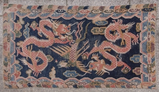Lovely Tibetan two dragon and phoenix khaden. Beautiful colours. Wear consistent with age. Circa 1900. 153x70 cm.