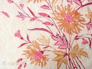 "Java | Hand-drawn batik ""morning / evening"" hipcloth (kain panjang pagi soré)  Indonesia, Java, Pekalongan, 1930 - 1960  Hand-drawn (tulis) batik, synthetic dyes  A fine hipcloth hand-drawn in Pekalongan on the north coast of Java,  ..."