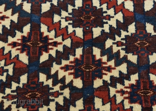 Turkmen Yomud Asmalik / Turkoman Yomut Asmalyk in fair condition. Measures 121x60cm / 3'11.64x 1'11.62