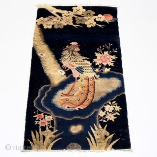 Early 20th century Chinese Baotou rug. In very good condition. Size: 130cm x 68cm