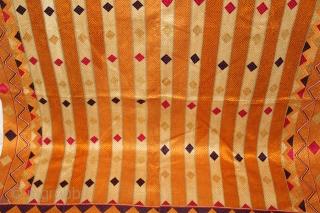 Phulkari From West(Pakistan)Punjab India Called As Diamond Bagh.Floss Silk on Hand Spun Cotton khaddar Cloth.(DSL03630).