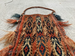 Turkmen, Yomut / Yomud igsalyk spindle bag. In great condition and full pile! Has a nice dark green color. 1ft 8in x 10in.