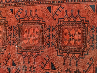 Interesting Kizil ayak / kizilayak rug. I've never seen this variation of the main guls with the varying number of circles. Tight weave, soft wool, with a decent amount of low spots  ...