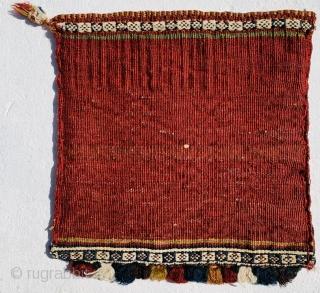 very fine Qashqai chanteh 1880 circa size 28x27cm the white color all in cotton.