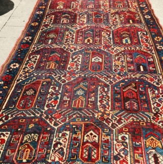 Persian Khamseh runner 1880 circa in in good condition 100% in wool with symmetrical knot,border and heads are original no repair.size 500x95cm